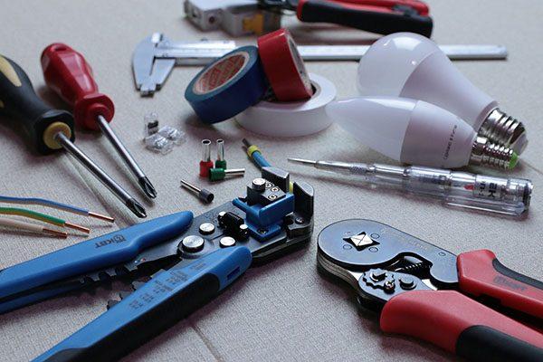 elektriker køge - værktøj og ledninger